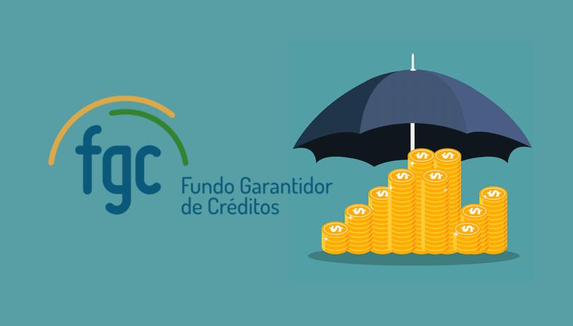 Logotipo do FGC, ao lado de uma pilha de moedas, coberta por um guarda-chuva